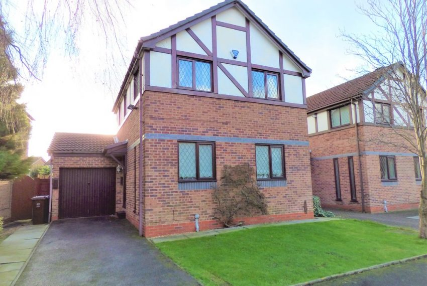 Detached House in Manchester