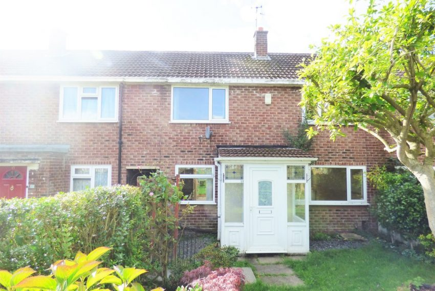 Mid Terraced House in Sale